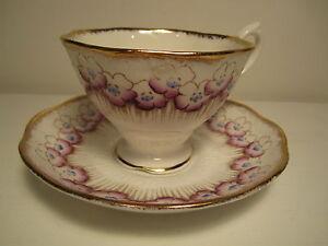 VINTAGE-ROYAL-ALBERT-ENG-CHINA-TEA-CUP-amp-SAUCER-WHITE-PURPLE-BLUE-FLORAL