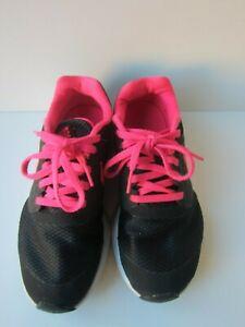 Nike Girls Youth Back And Pink Running Shoe Size Us 3 5 Y Uk 3 Ebay