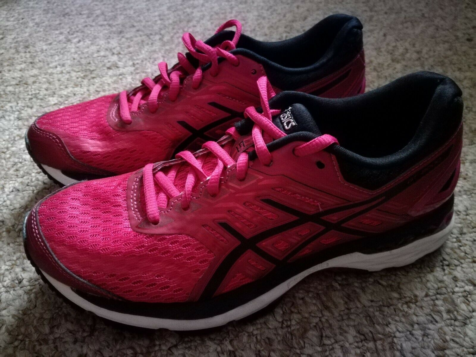 ASICS  GT 2000 Size 5 - only worn a few times  large selection