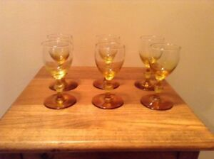 6-vintage-amber-yellow-to-clear-2-oz-cordial-liquor-pedestal-glasses-Mid-Century