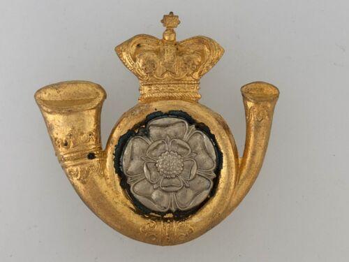 Britain//British Army Yorkshire Light Infantry Regiment KOYLI Cap Badge in metal