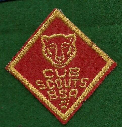VINTAGE  BOY SCOUT CUB SCOUT FELT BEAR PATCH