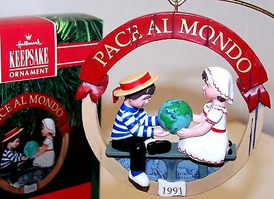 1991 NEW Hallmark Ornament Peace on Earth ITALY QX5129 1st Mint Never Displayed