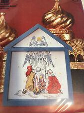 Ángel y pastores puntada cruzada contada en marco de madera en forma