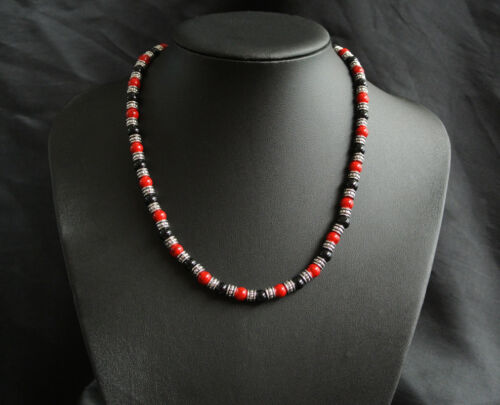 BEAUTIFUL GLASS PEARL TRIBAL STYLE NECKLACE