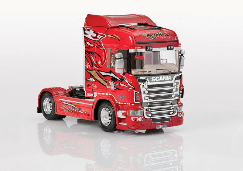 Scania R560 R560 R560 V8 Highline Red Griffin New Ver. Plastic Kit 1 24 Model 3882 ITALERI d1ef5d