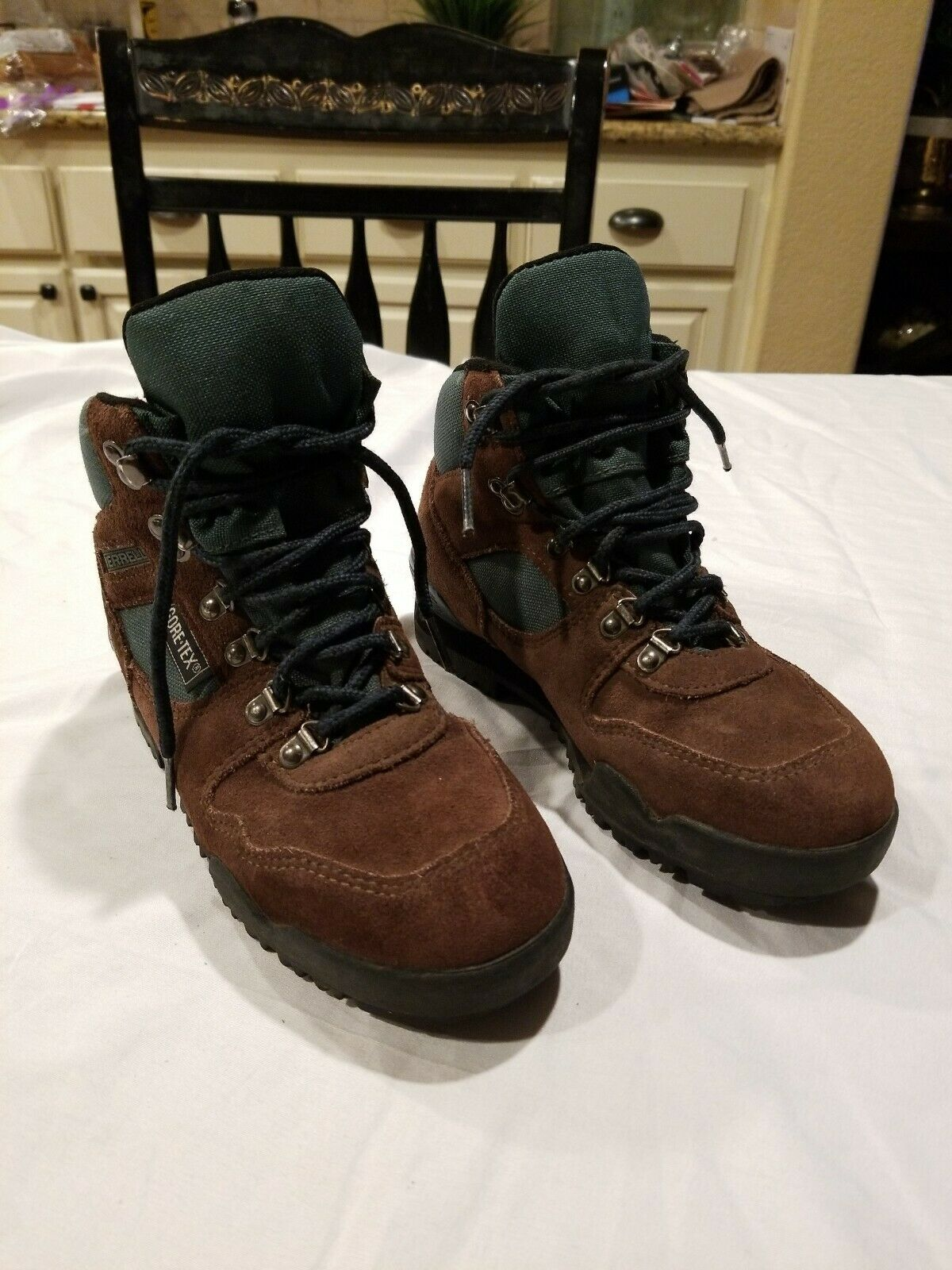 Merrell Nova GTX Gore-Tex Brown Suede Hiking Trail Boot Women's 6.5 Pre-owned