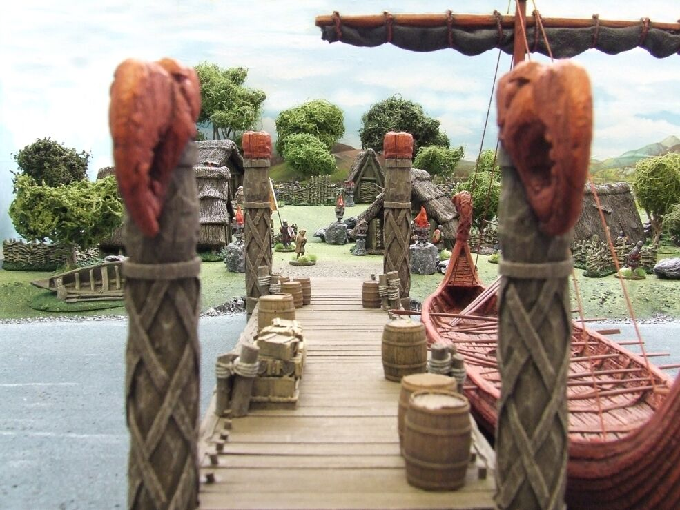 28MM VIKING JETTY  - (DARK AGE) -  RESIN - Painted to collectors standard.