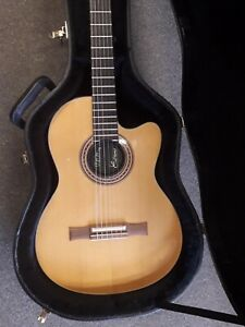 Gibson-Chet-Atkins-CEC-solid-body-electro-nylon-string-guitar-1993-used-case