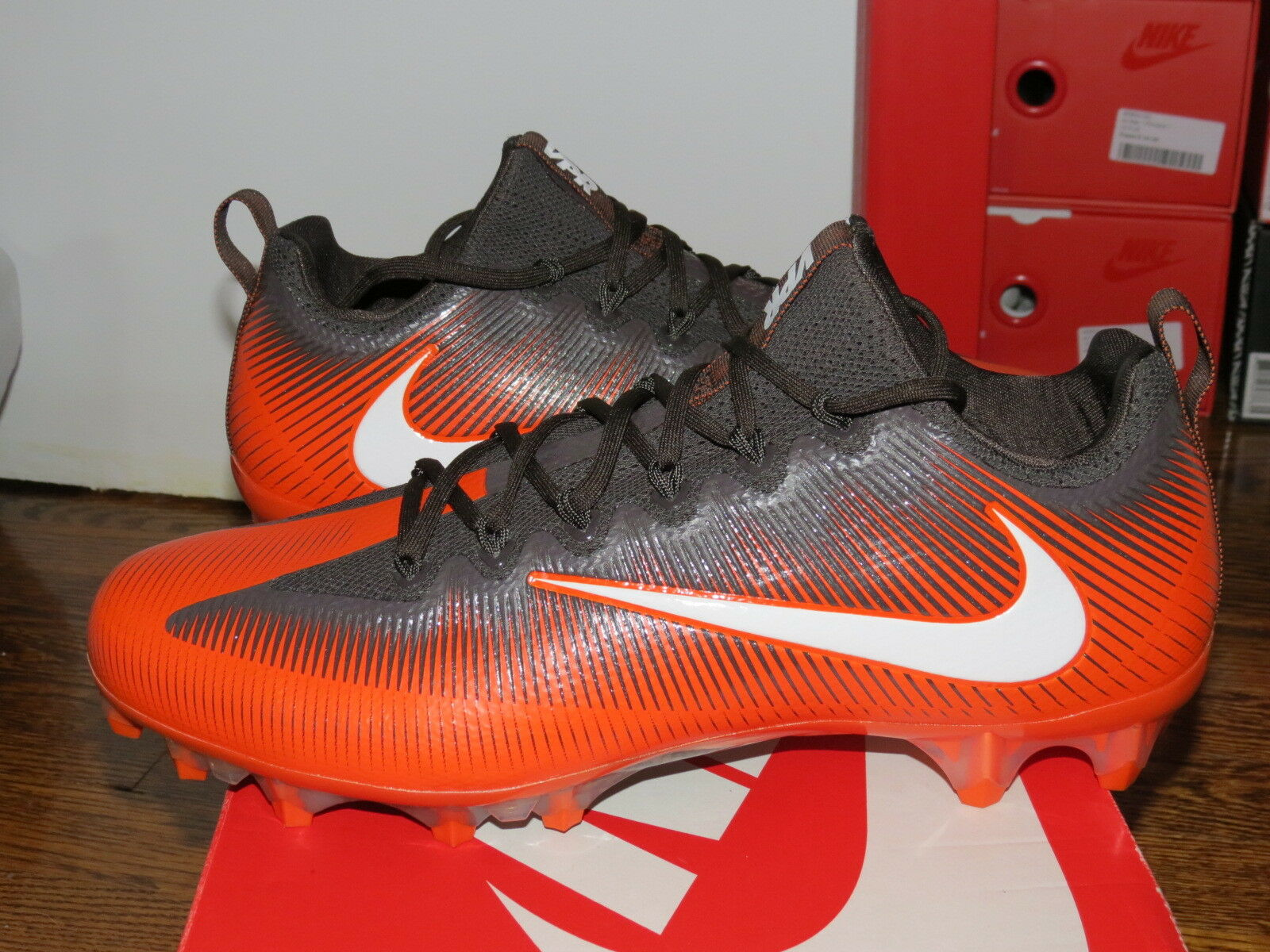 Nike Vapor VPR Untouchable Pro Low Football Cleats 925423-808 SZ 12 orange Brown