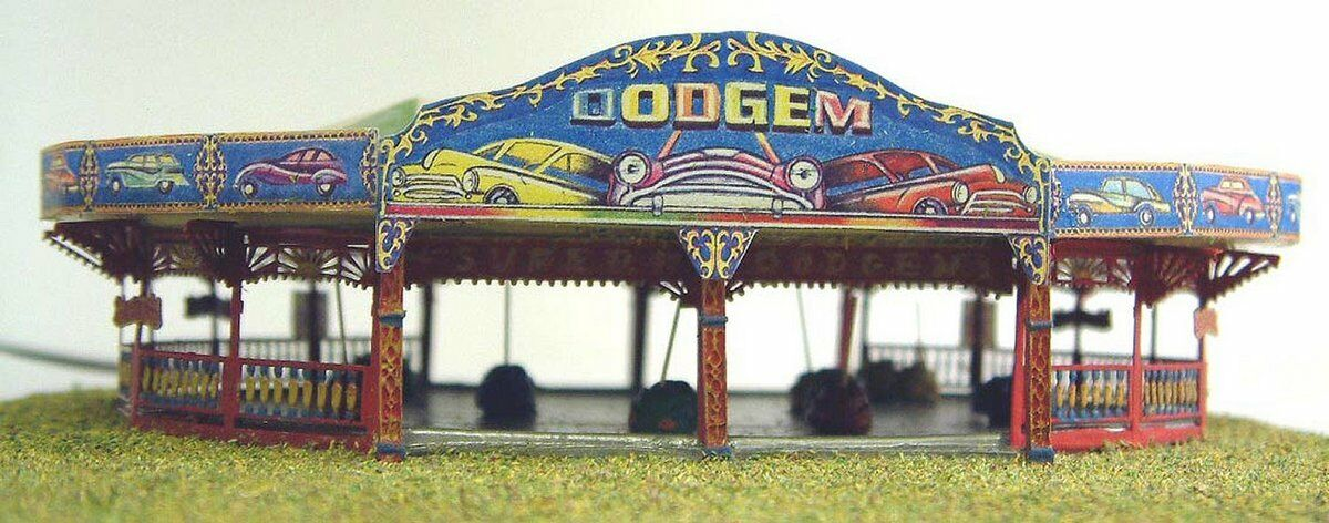 Funfair Dodgem Ride N Scale 1:148 UNPAINTED Kit NQ1 Langley Models