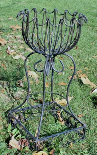 Wrought Iron Small Dee Dee Plant Stand Decorative Container in 2 Sizes