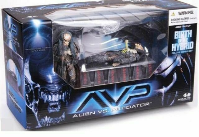 McFarlane Toys Alien VS Predator 2 Movie Birth of Hybrid Box Figure Set New
