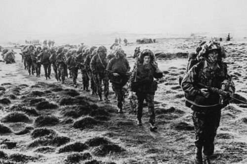 Falklands War 1982 Stretch Canvas Wall Art Poster Print British Soldiers Battle