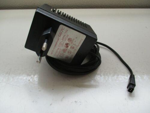 Grundig Netzteil 667C //15v 150mA //für Diktiergerät Stenorette 2300 L //gebraucht