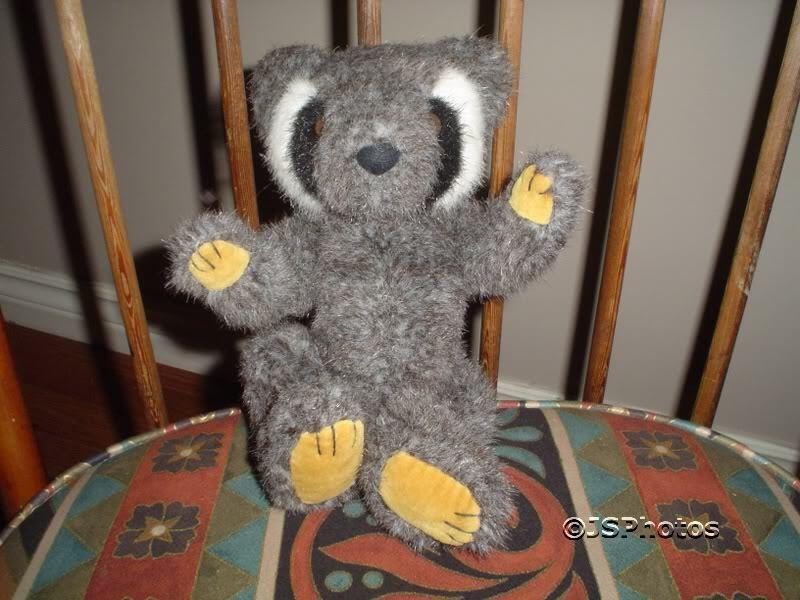 Mary Meyer 1993 Raccoon Stuffed Plush Retired