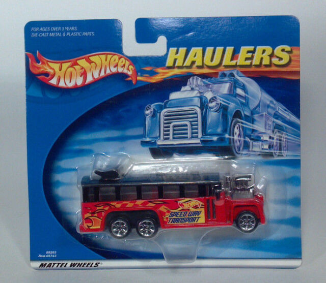 Hot Wheels Haulers Dragster Speed Way Transport GMC School Bus Scale Model