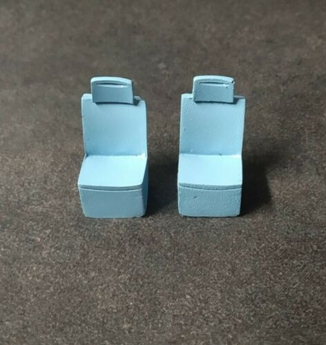 2 sièges Peugeot 806 Runabout Bleu Ech 1:43 Résine