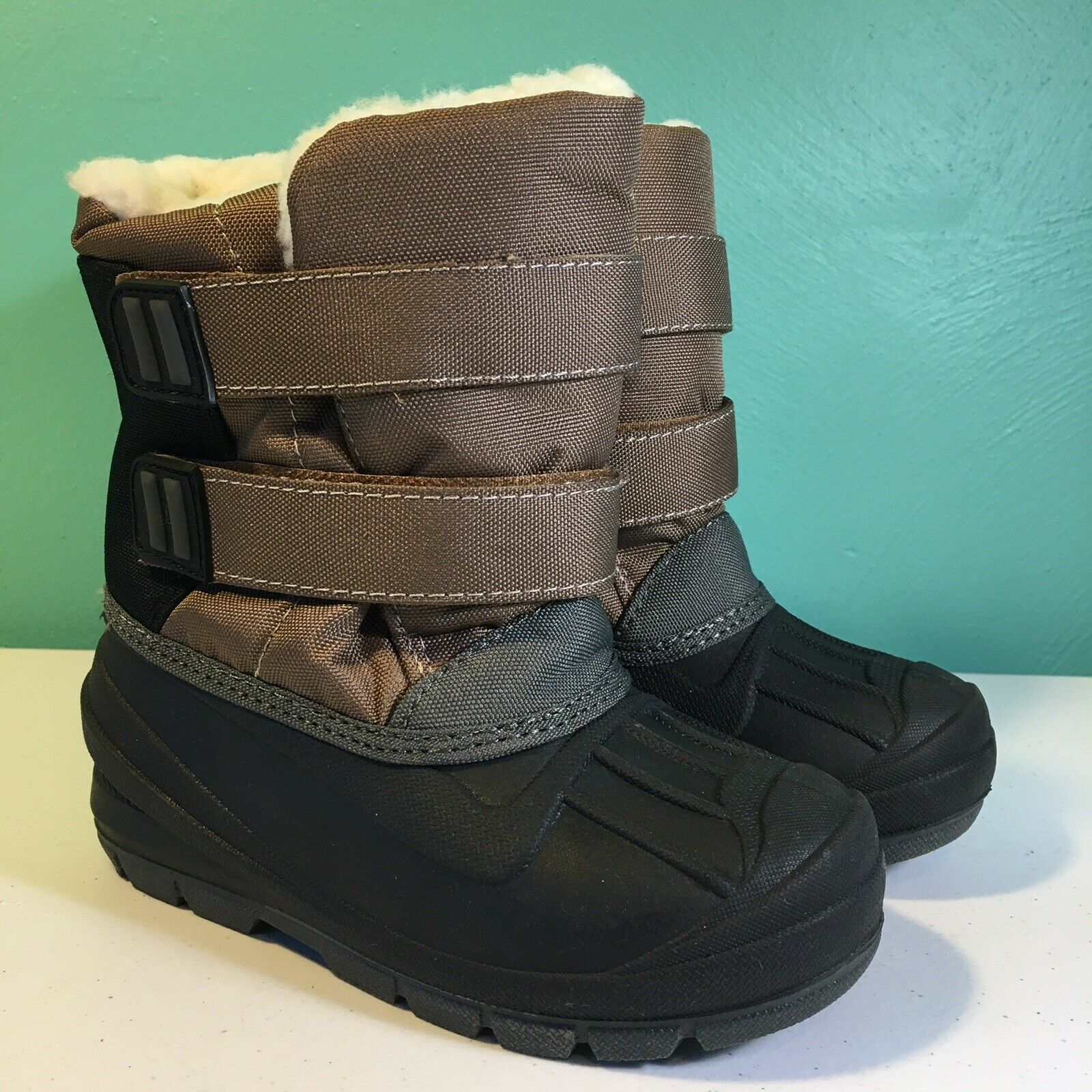 NWT Cat and Jack Toddler Girl Arias Winter Boots Black Sherpa Faux Fur Size 6