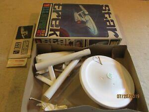 1966-AMT-Star-Trek-USS-Enterprise-Model-Kit-921-200