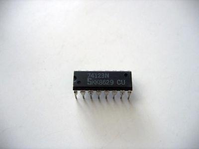 74123N Signetcs Multivibrator 74123 SN74123N DM74123N IC 25pcs