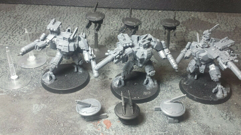 XV8 Crisis Battlesuit Team for Tau Empire Warhammer 40,000 40K USED T'au
