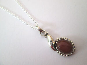 Very-Dainty-925-Silver-Pendant-With-A-Natural-Oval-Cut-Carnelian-nk1112