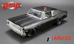 Chevrolet Nova 1971 matt schwarz Hunter TV-Serie Modellauto 1:18 GMP