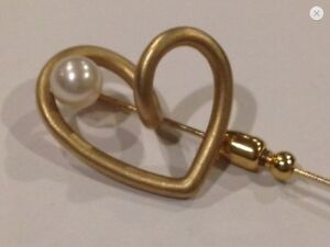 14 k gold heart Pin With Pearl