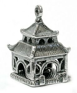 VINTAGE-SILVER-OPENING-BUDDHA-IN-PAGODA-CHARM