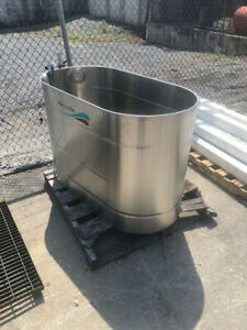 Ferno lllE Whirlpool Tub Model 164 No Turbine For Parts or Not Working Used