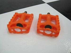 New-RRC-9-16-034-Shaft-ORANGE-Old-School-BMX-Bike-Freestyle-Bicycle-PEDALS