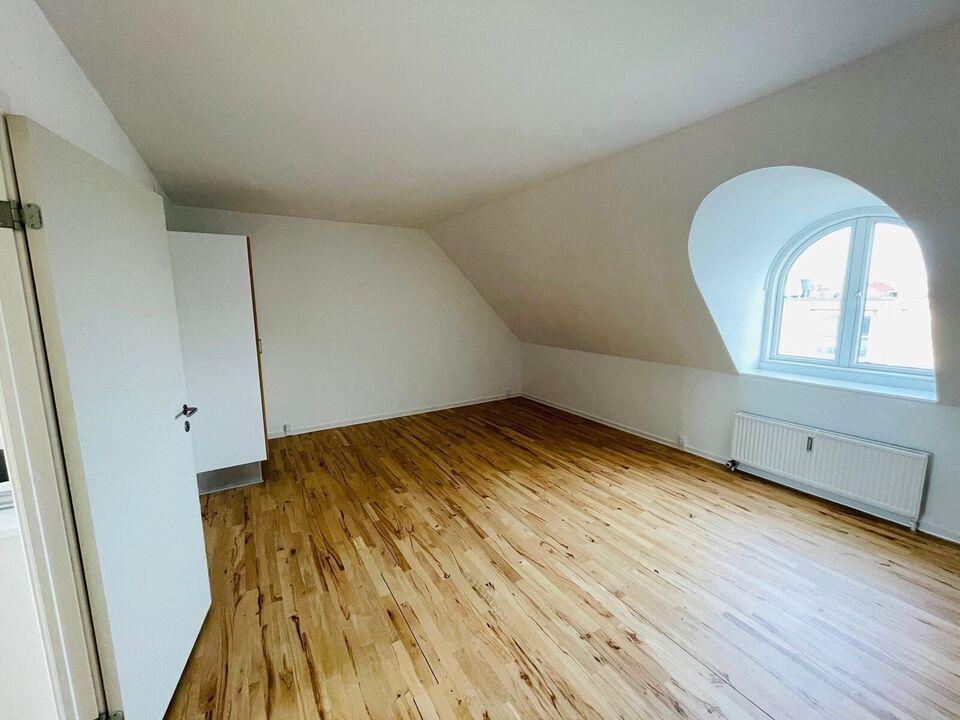 8700 vær. 4 lejlighed, m2 130, Ribersgade