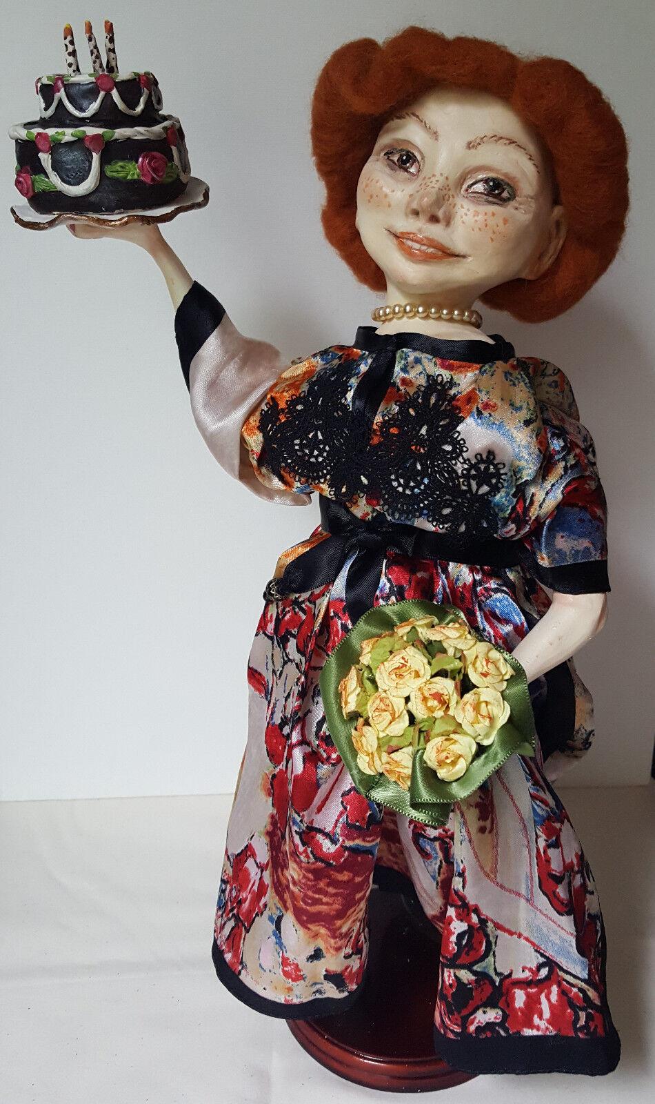 Uno de una tipo muñeca de polímero arcilla  feliz cumpleaños .