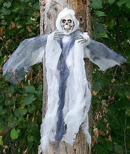 Brand new animated flying reaper with wings halloween prop for Animated flying reaper decoration