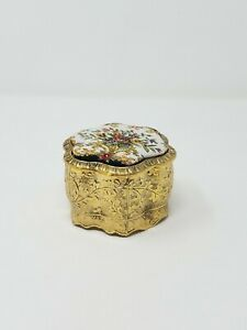 Vtg-UCGC-Japan-brass-trinket-box-w-hinged-fabric-needlepoint-lid-velvet-inside