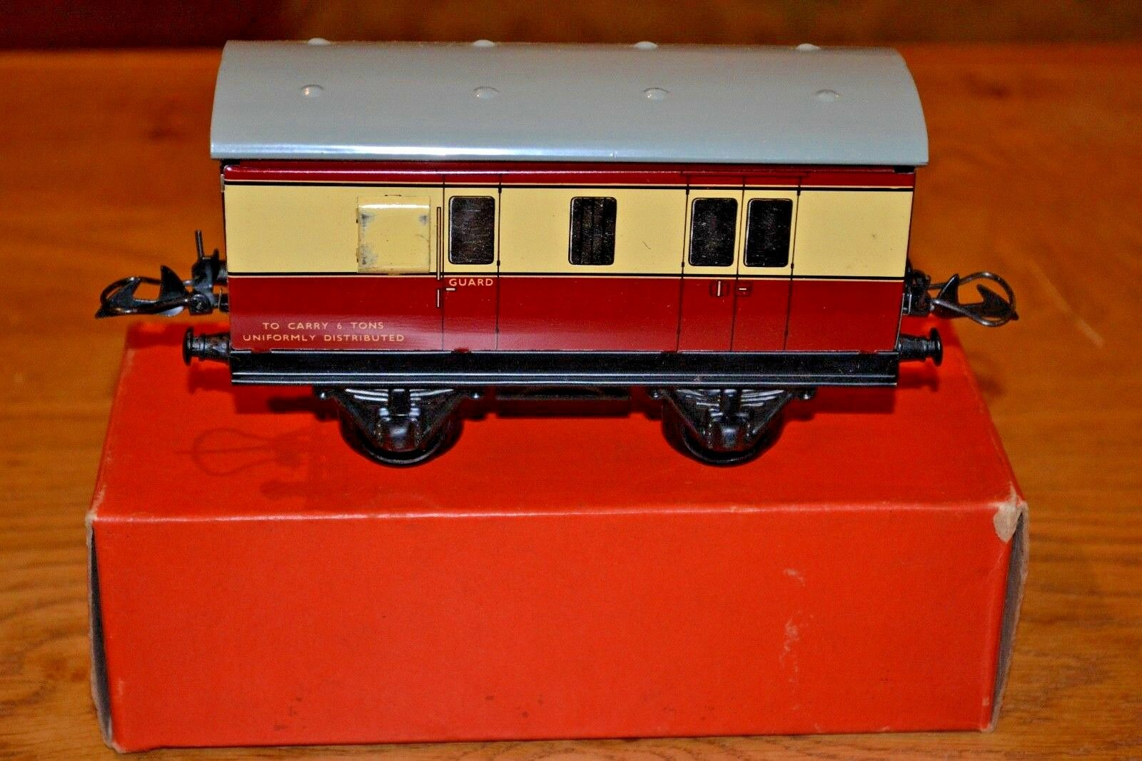 Hornby Series O Gauge; No. 51 Passenger Brake Van Original Box; Railway Lamp
