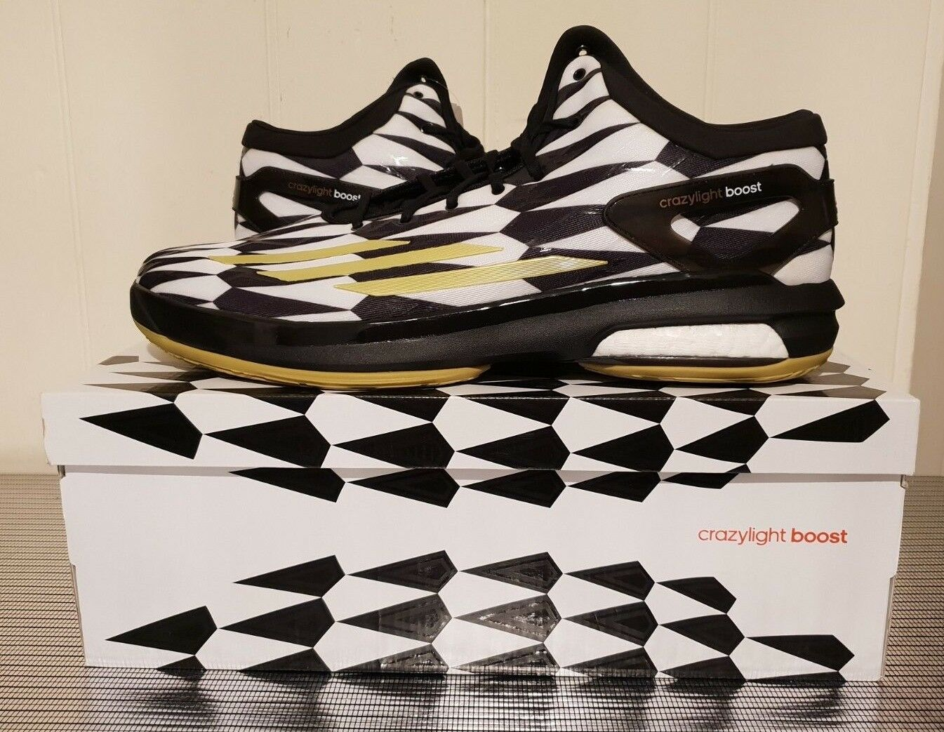 Adidas Crazy Light Boost Black And White Basketball Mens UK Size 17 NEW IN BOX