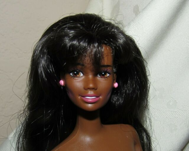 Barbie Hudson Bay HBC Stripes 2020 Doll June Fully