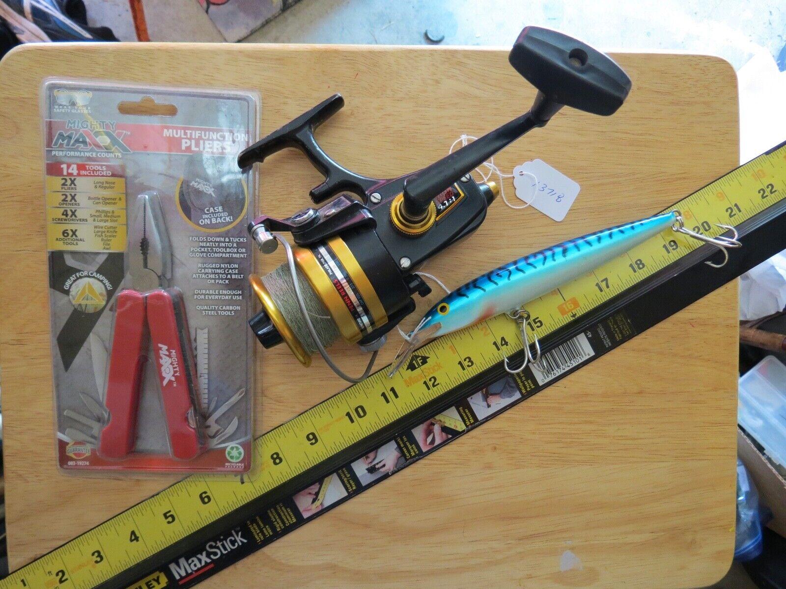 Penn 6500 Surf fishing  reel & pliers and fishing lure (lot)  online-shop
