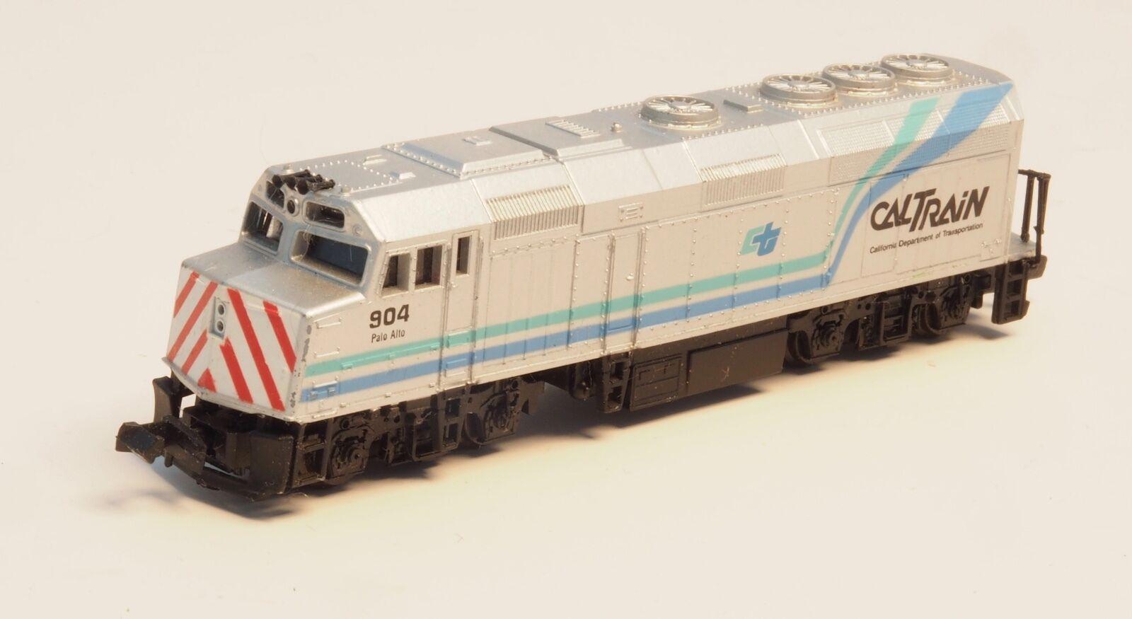 Life Like N-Scale Caltrain EMD F40PH Palo Alto  904 Alimentato Locomotiva  2
