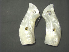 Smith Wesson J Frame Smooth Faux Pearl Round-Butt Grips W/Medallions SWEET NEW!