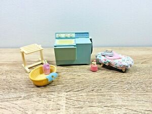 Sylvanian Families Vintage Twin-Tub Washing Machine Laundry Set