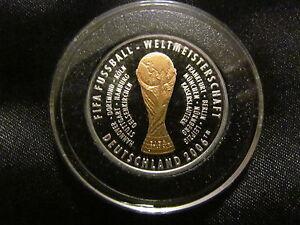 Medaille-FIFA-Weltmeisterschaft-2006-Deutschland-Gedenkpraegung-Silber-vergoldet