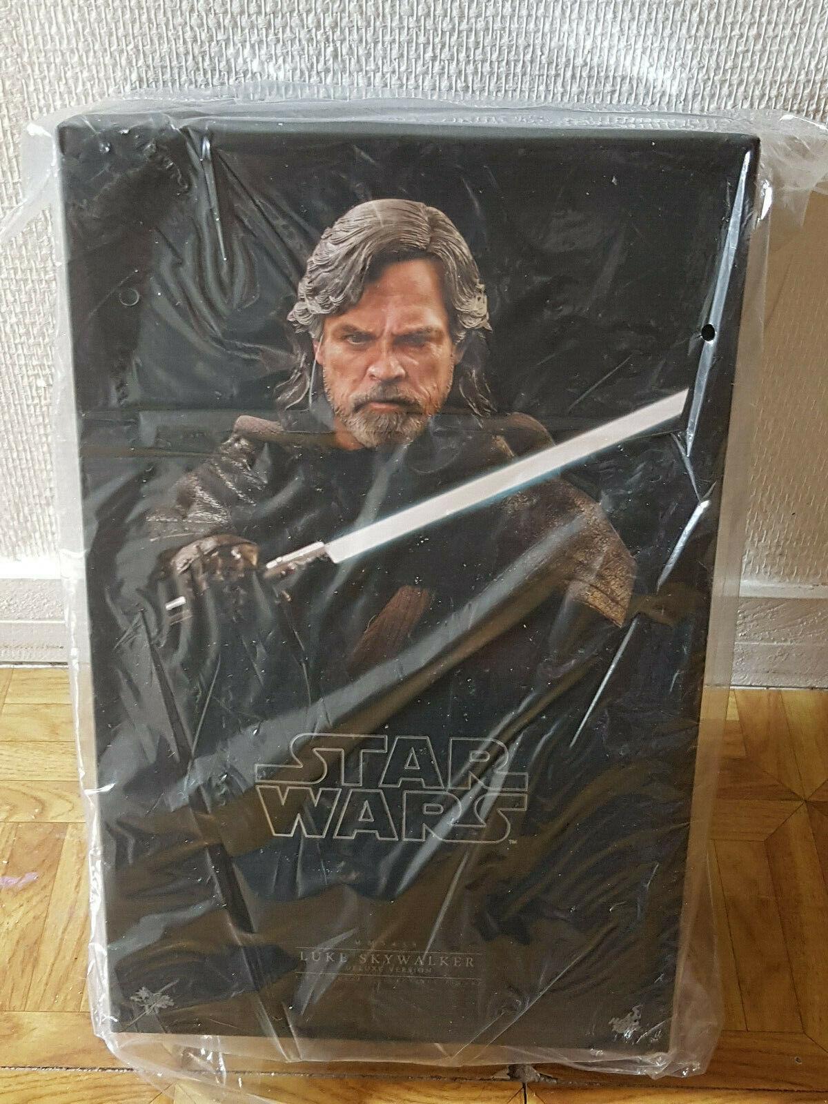 Hot Toys MMS458 Luke Skywalker Deluxe Version