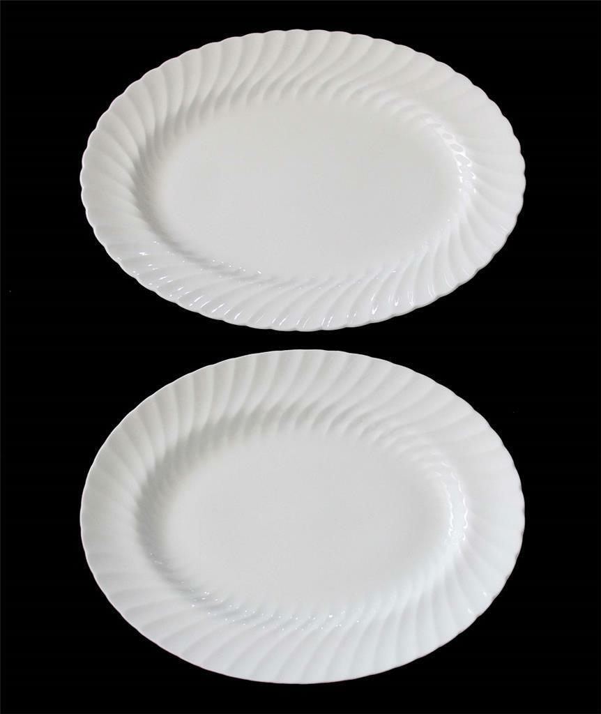 2 Wedgwood CANDLELIGHT 14    15.5  Bone blanc Scalloped Swirl Oval Platters EXC