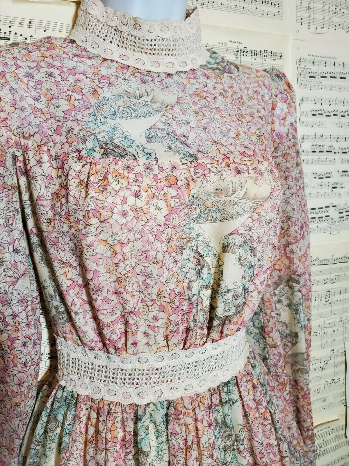Vintage 1960s 1970s Unbranded Gunne Sax Style Wom… - image 3