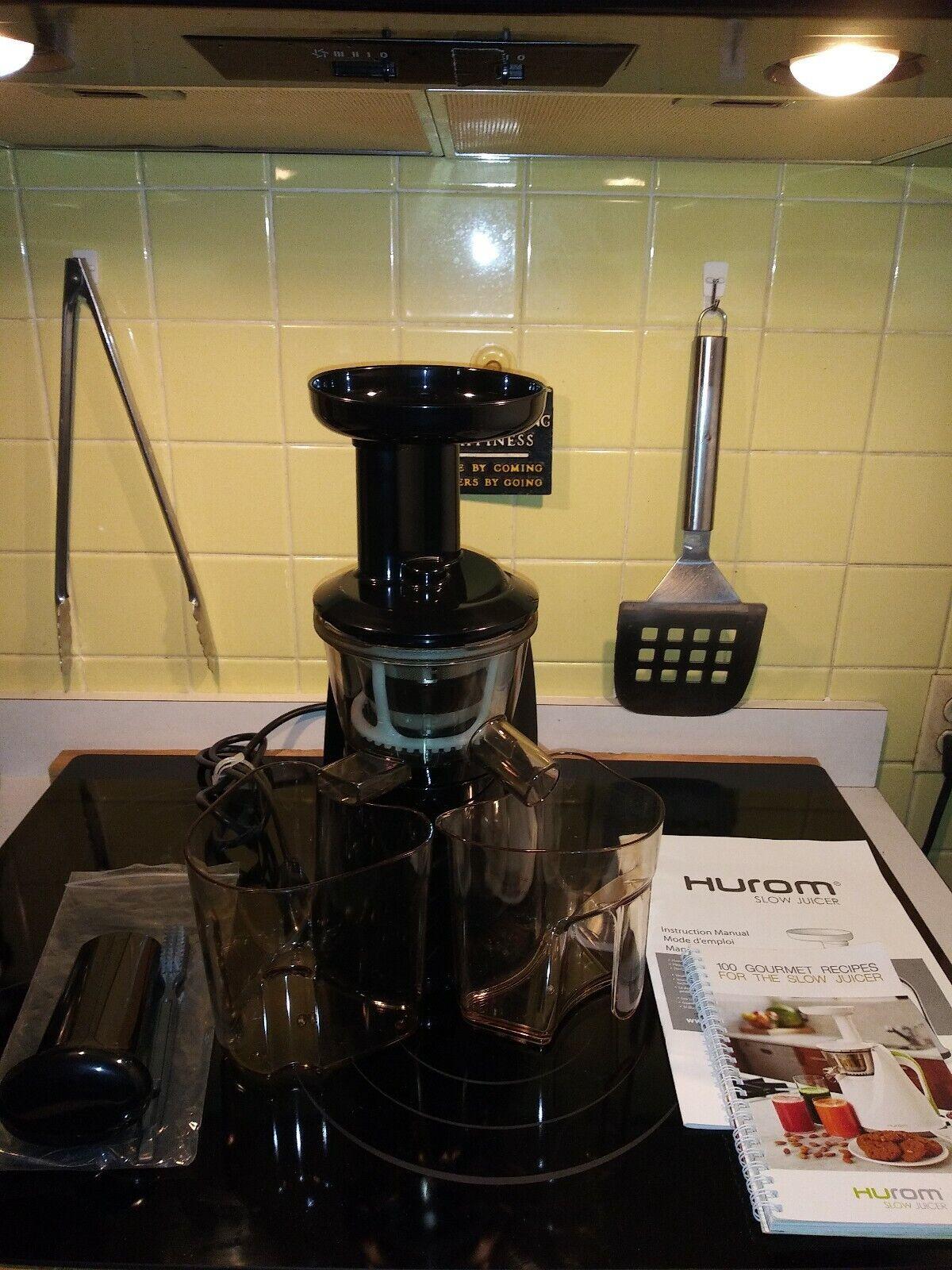 HUROM MASTICATING SLOW Juicer, Black