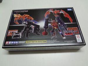 Transformers-Masterpiece-MP-15-16E-Cassetbot-VS-Cassettron-Takara-Tomy-Japan-NEW