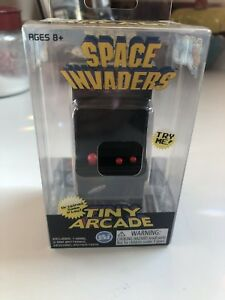 Tiny-Arcade-Space-Invaders-Miniature-Arcade-Game-The-Smallest-Functional-Arcade